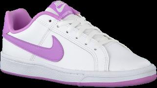 Nike Baskets COURT ROYALE (GS) en blanc